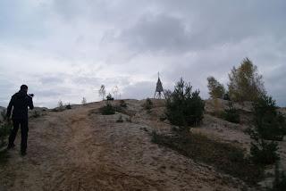 Jannik filmt die Sandebene und den Turm am Höller Horn
