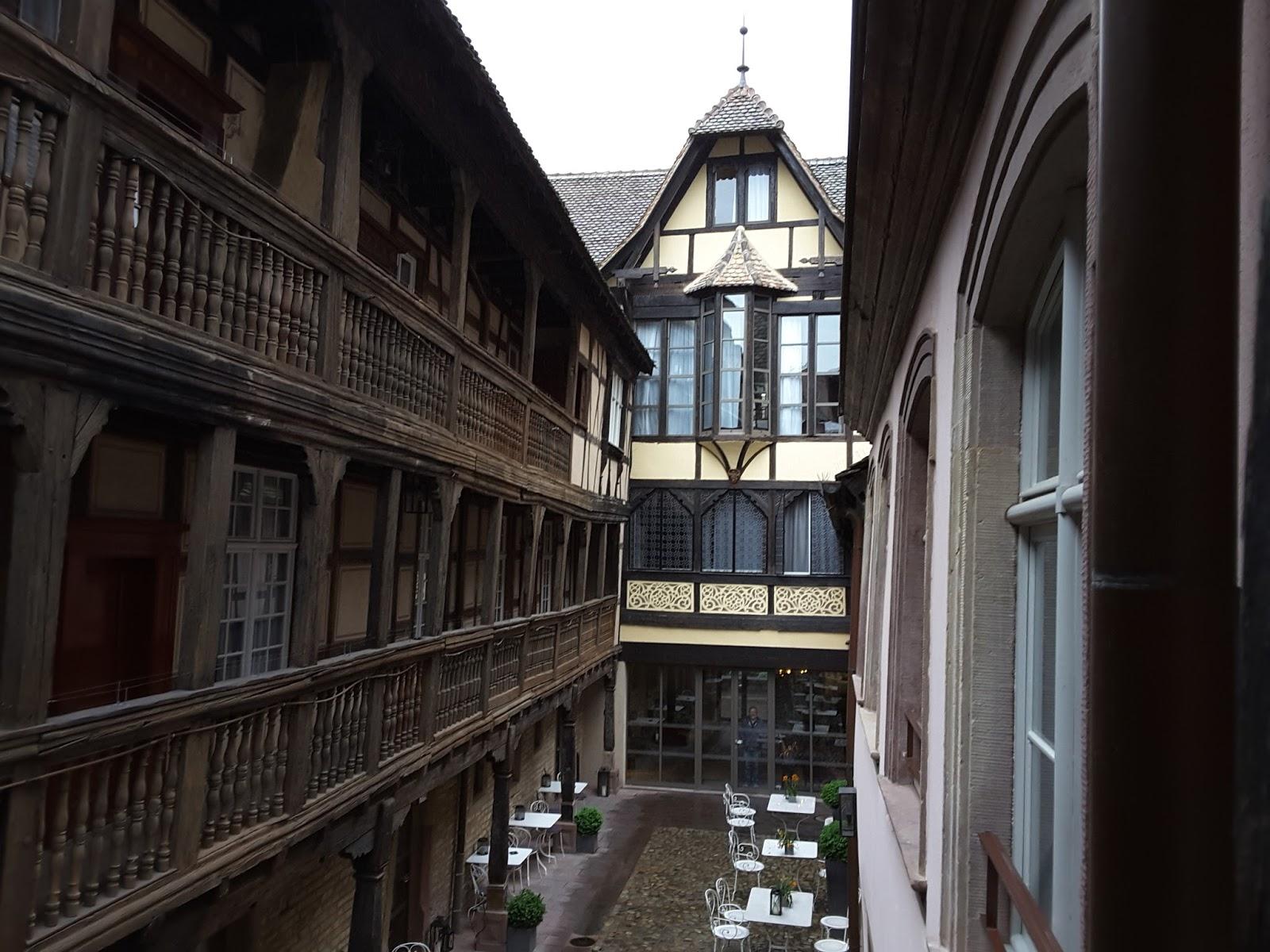 La Cave de Bobosse: Hôtel Cour du Corbeau et restaurant Les Haras à ...