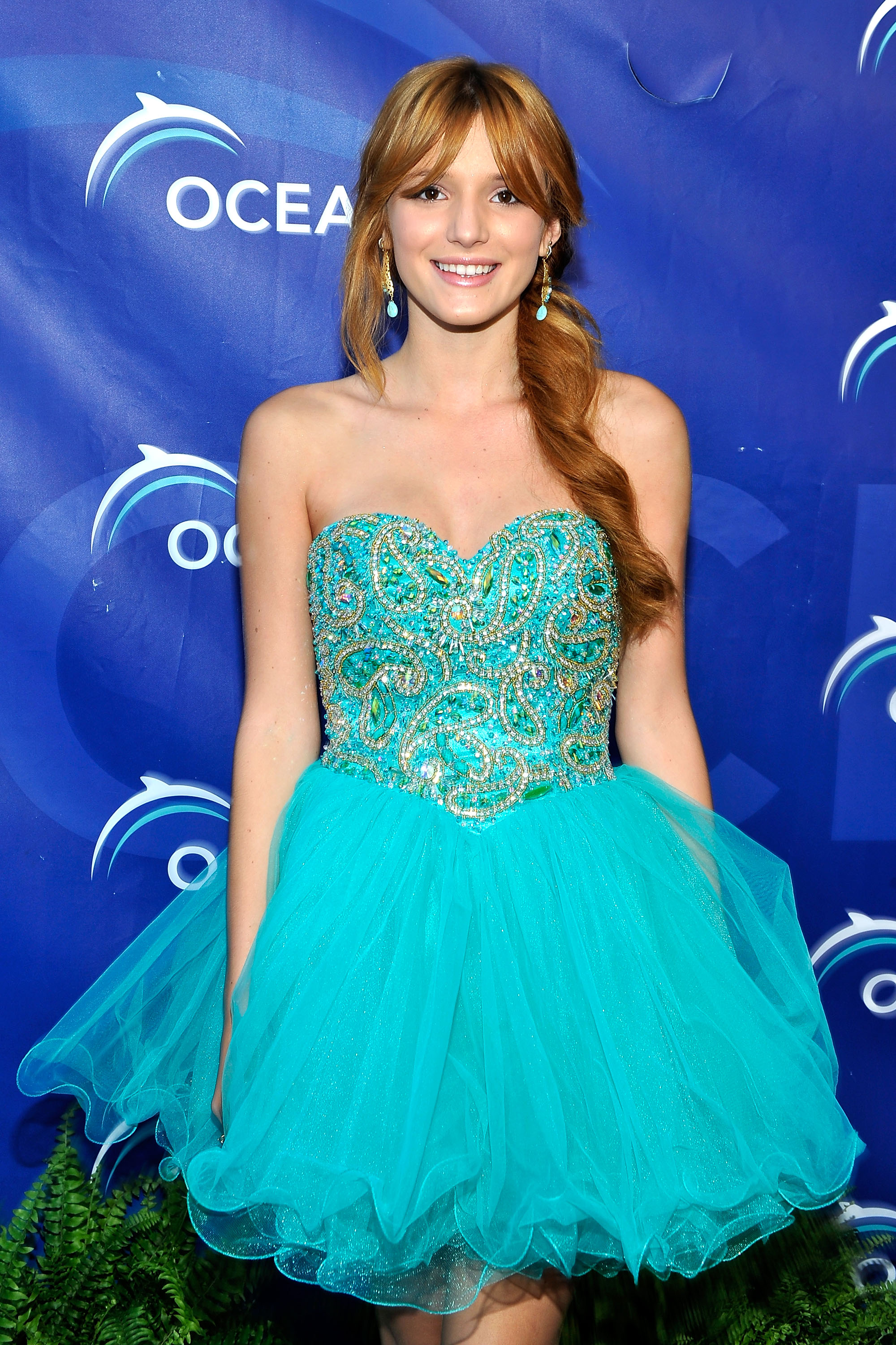 Bella Thorne pictures gallery (35) | Film Actresses