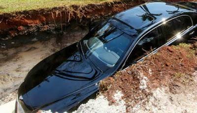 Mobil Bentley dikubur miliarder.