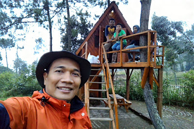 Rumah pohon di Papandayan Camping Ground
