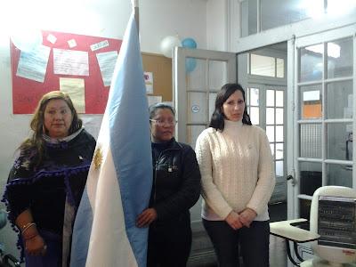 Abanderada: Vilma Delgado, escoltas: Miriam Ortiz y Miriam Quintas
