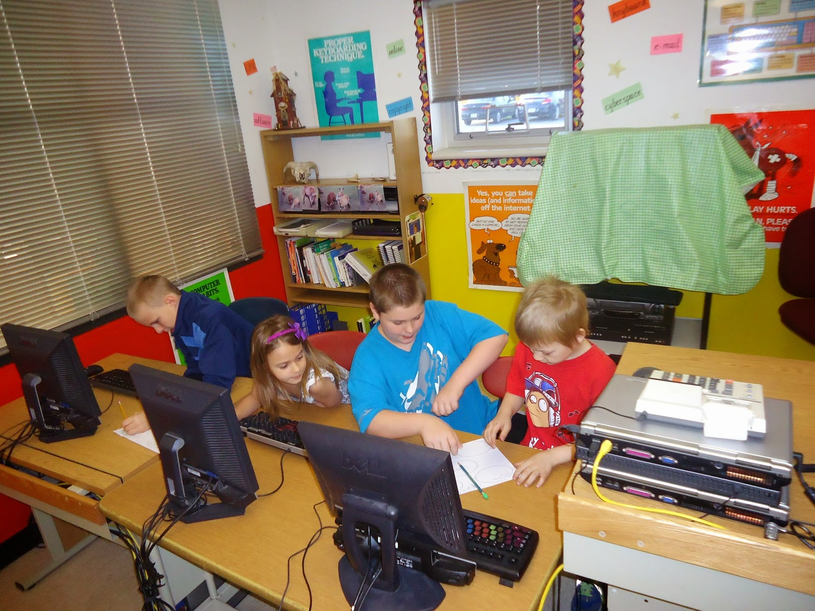 ms hankin s 6th grade class buddied up with mrs leitterman s 1st grade class to help them find web diagram facts for their solar system project  [ 1600 x 1200 Pixel ]