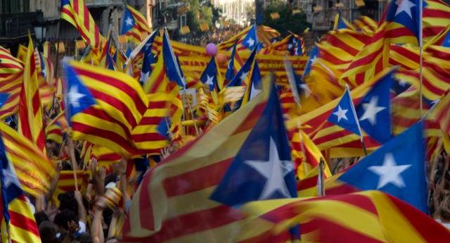 El Parlament aprueba la independencia y la proclamación de la república catalana