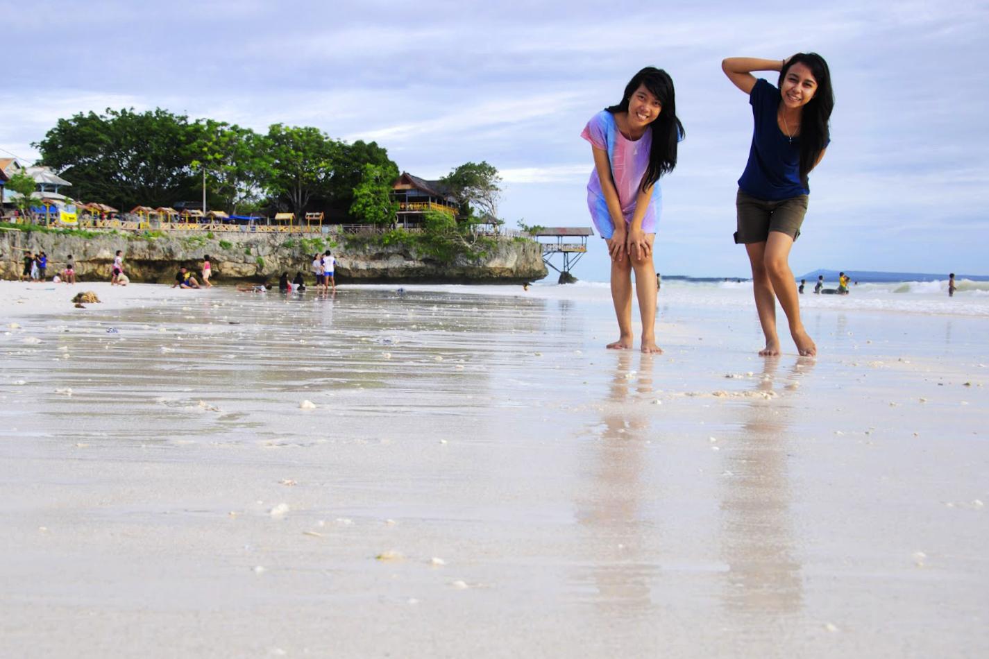 Cewek Manis Tashya Uneputty di Pantai Pasir Putih Tanjung Bira, Bulukumba cewek cantik manis di pantai tanjung bira liburan dk e bira harga