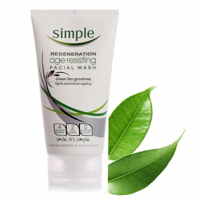 5. Sữa rửa mặt Simple Regeneration Age Resisting Facial Wash