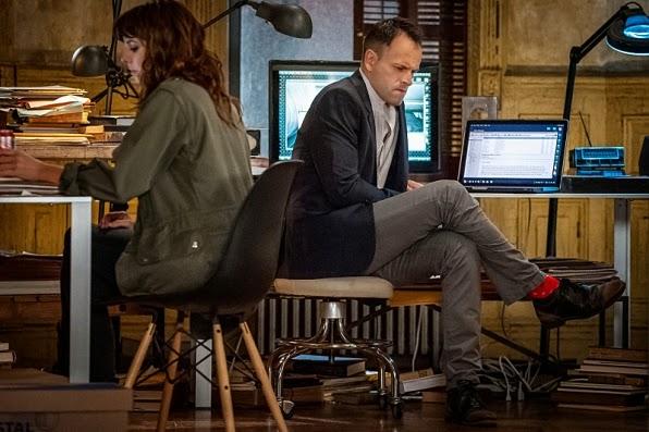 Sherlock Holmes and Kitty Winter in CBS Elementary Season 3 Episode 5 Rip Off