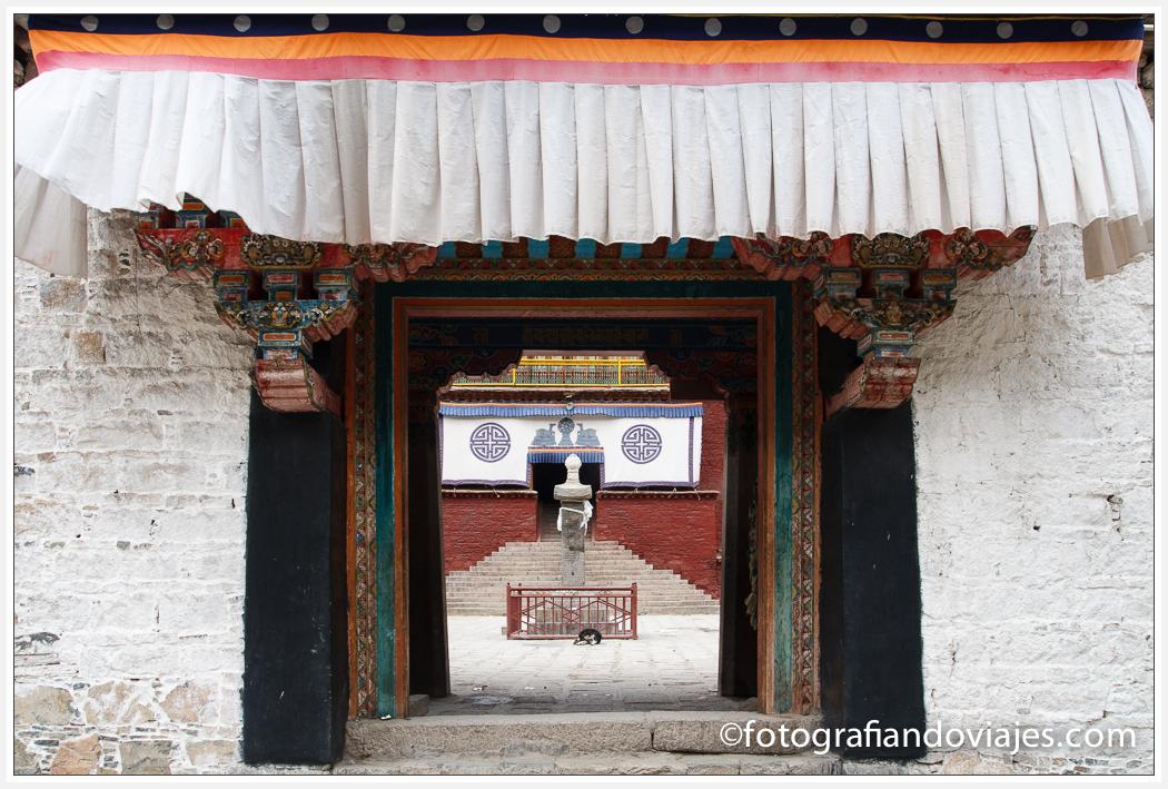 Monasterio de Tsurphu Tsurpu o Chubu en Tibet cerca de Lhasa