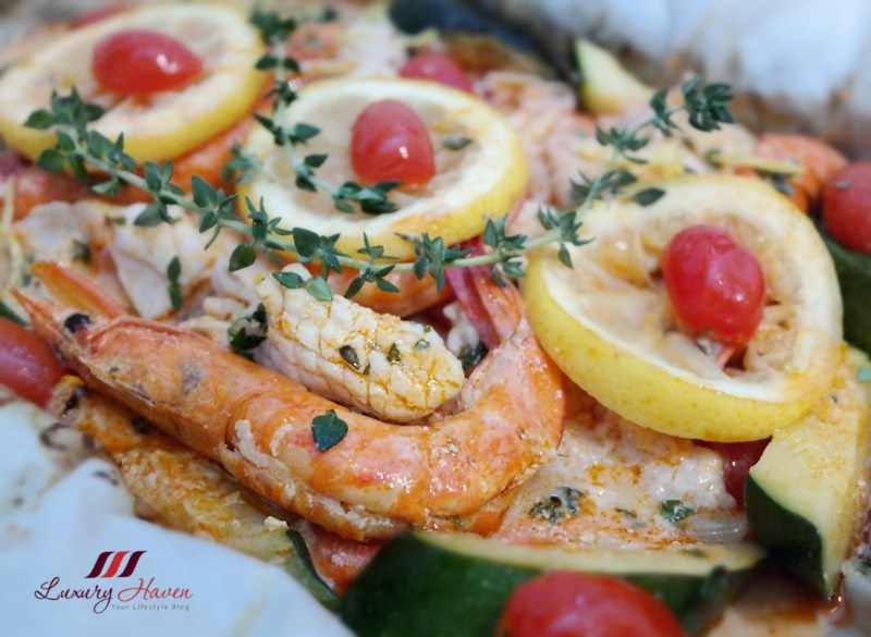 purelyfresh christmas baked seafood parcel prawns fish squid