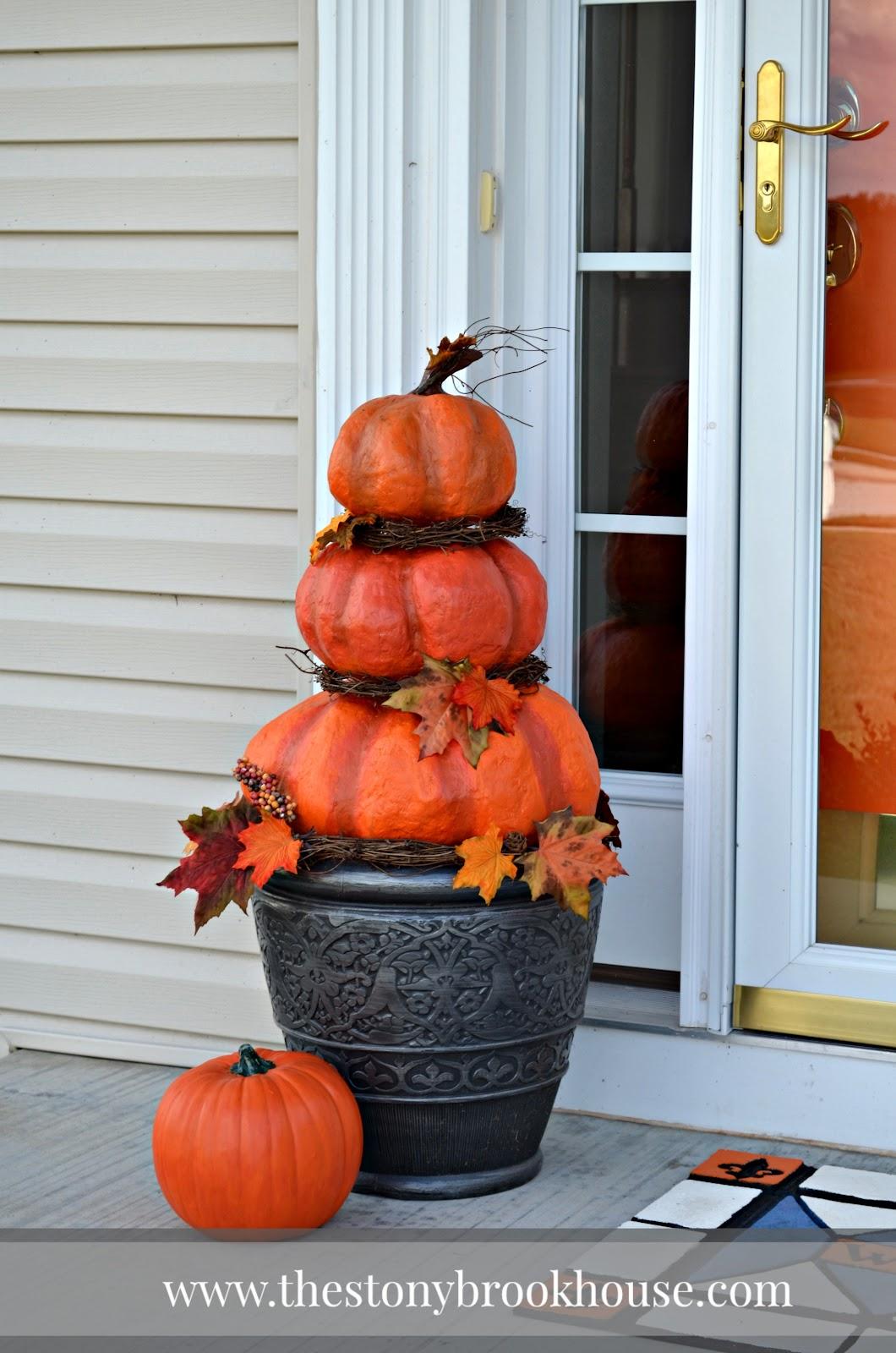 DIY Outdoor Real Looking Pumpkins - The Stonybrook House