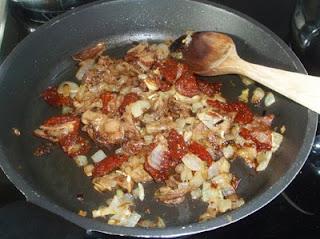 salsa de boletus y tomates secos