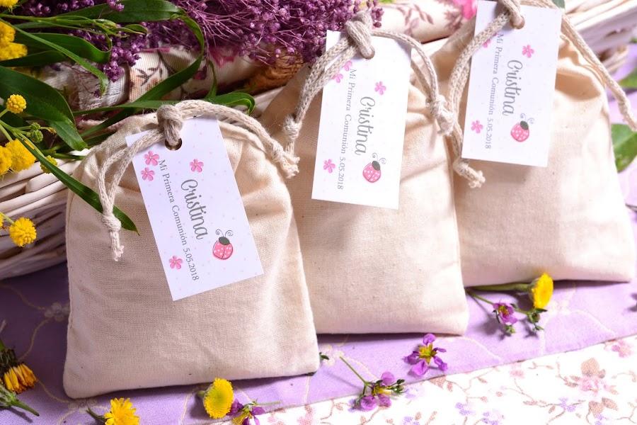 Detalles para invitados comunion saquitos aromaticos personalizados