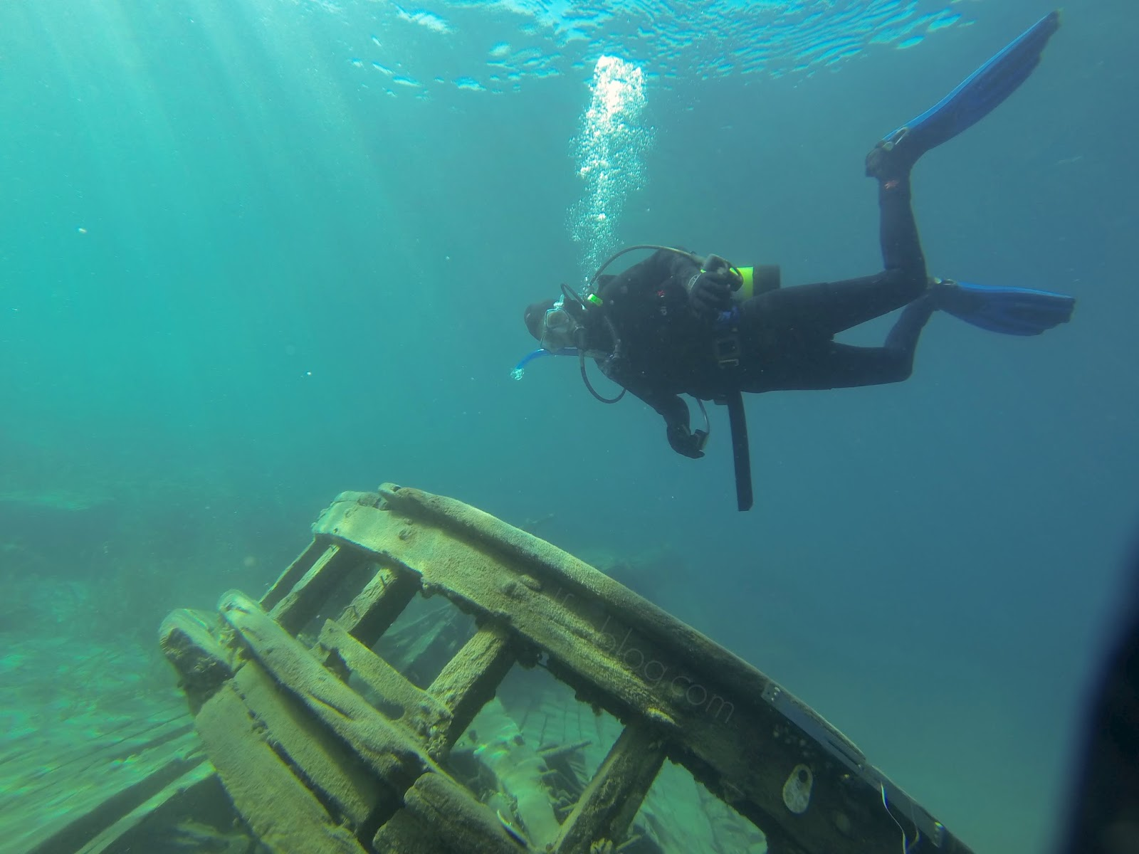 scuba diving; fathom five marine park; tobermory, on