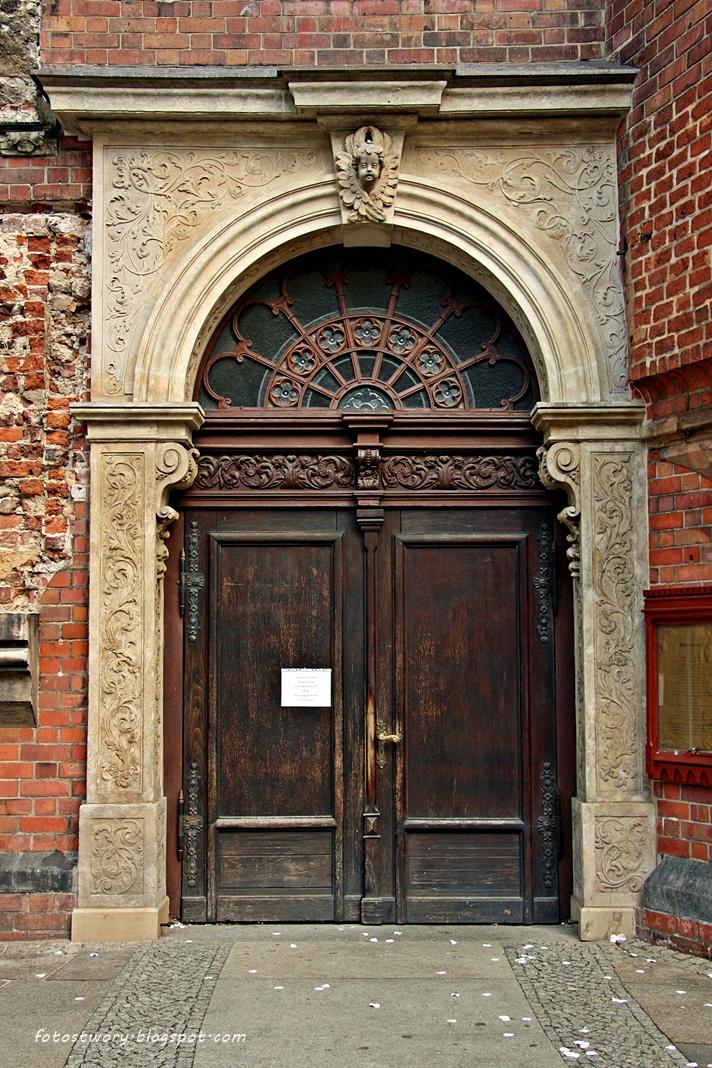 Foto st w ory drzwi nr 80 for Drzwi z portalem