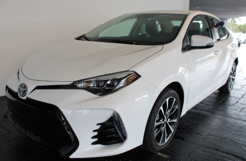 2019 Toyota Corolla Interior Design and Touchscreen Sound System