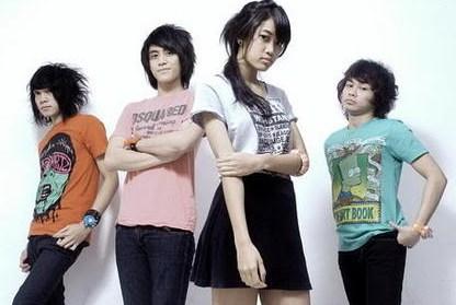 Kumpulan Full Album Lagu Vierra mp3 Terbaru dan Terlengkap