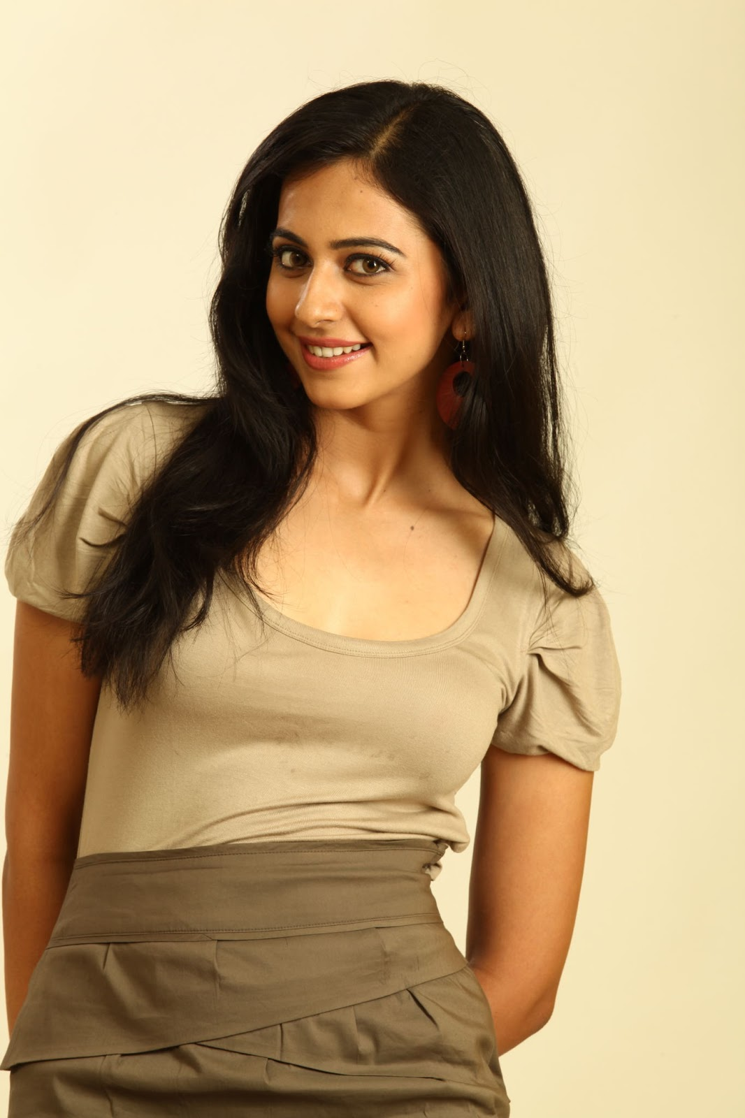 Rakul Preet Singh Big Teeths Show Smiling Photos