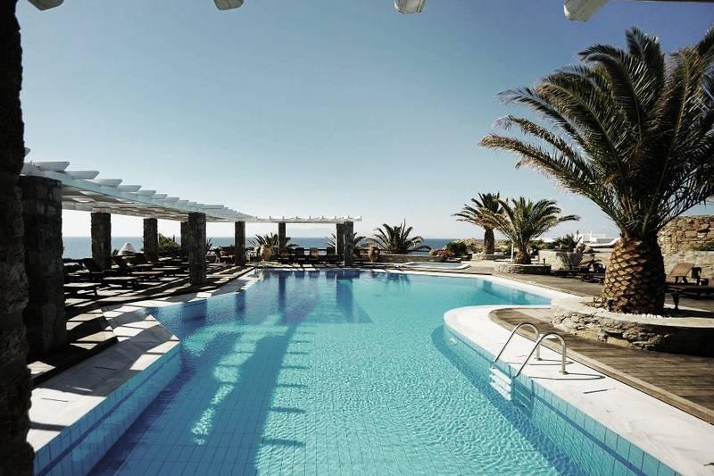 PUNTXET Hotel San Giorgio en Mykonos ¡Espectacular! #deco #decoracion #hogar #home #swimmingpool #piscinas #jardin #garden #exteriores #outdoor #estilobohemio #bohemianstyle #travel #hotel