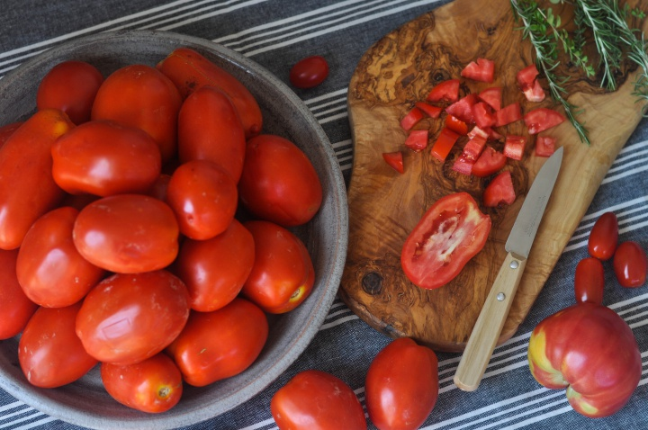 easy guide how to preserve your own tomatoe sauce