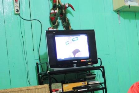televisi 14 inci