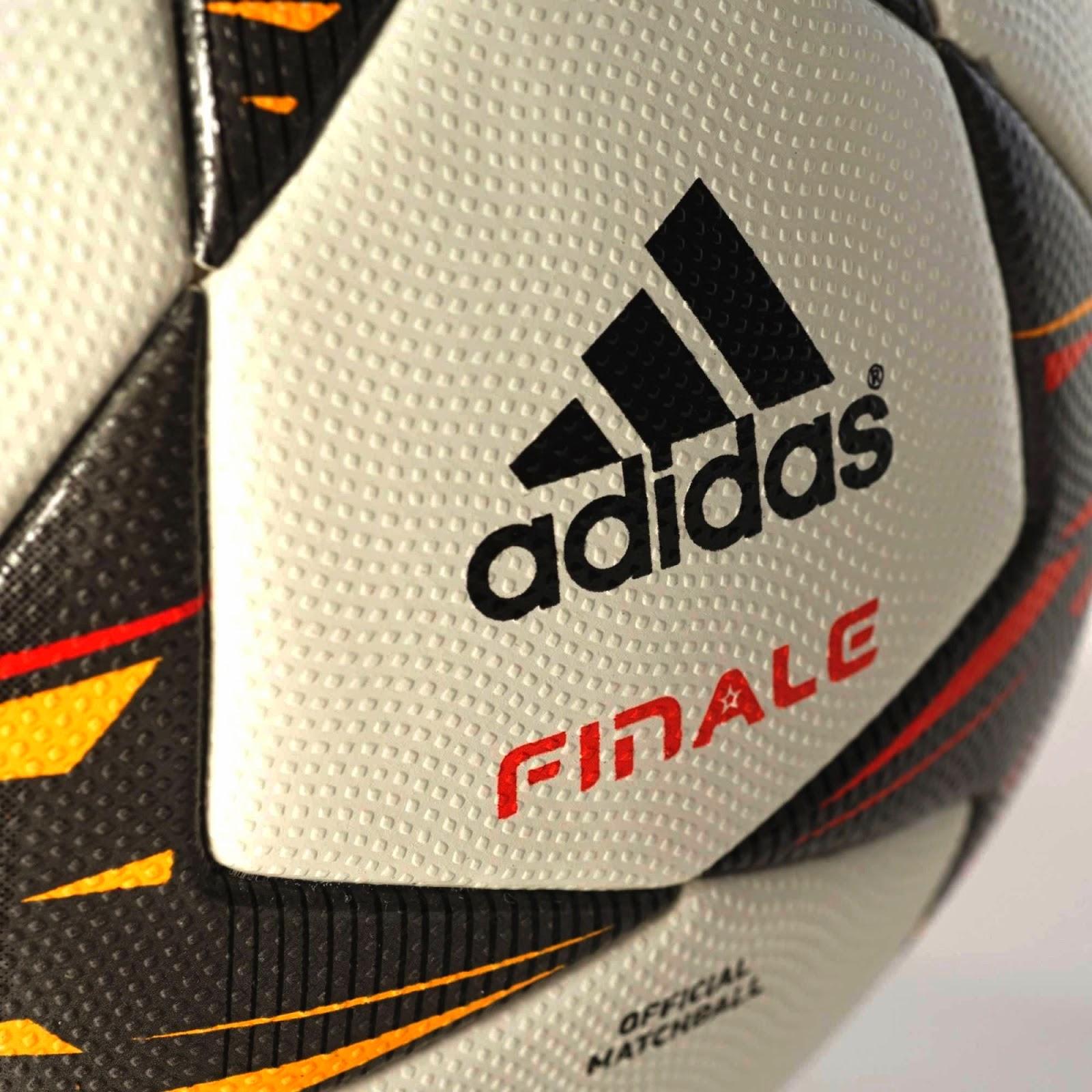 06e2478cfdae Мяч Adidas Finale стандартно белого цвета. По сравнению с мячем сезона  13 14 годов, основным отличием стала черная окраска