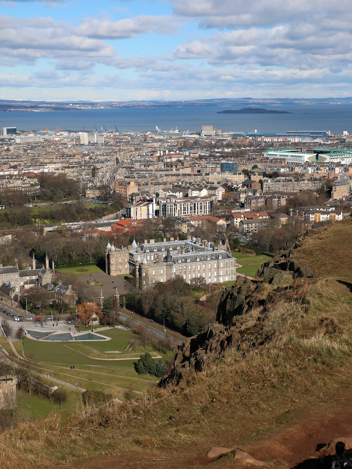 view from arthur's seat edinburgh