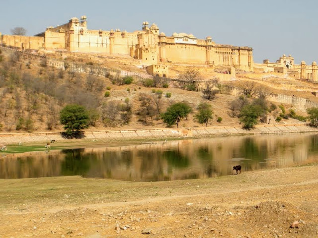 3 days in Jaipur: Amber fort viewed from a distance