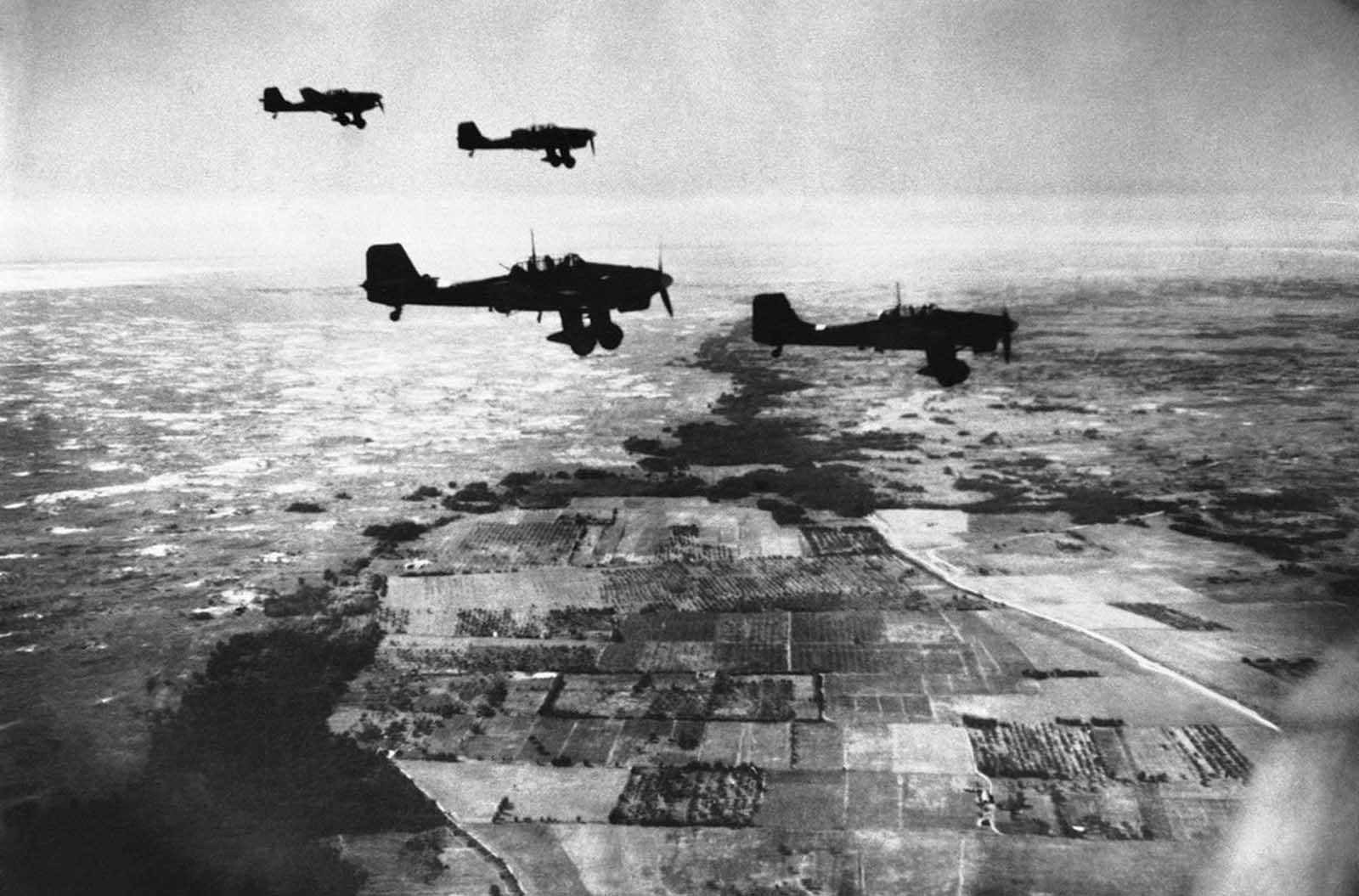 German Stuka dive-bombers, in flight heading towards their target over coastal territory between Dniepr and Crimea, towards the Gate of the Crimea on November 6, 1941.