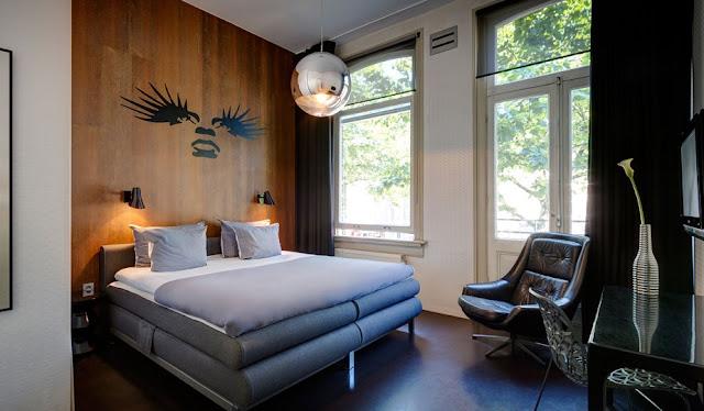 Economizar no hotel em Amsterdã