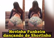 Funkeira bumbum gg dançando de shortinho