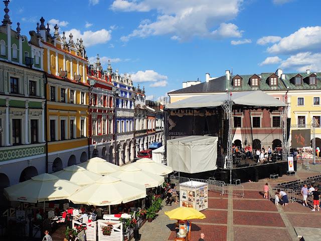 Rynek w Zamościu (15 czerwca 2017). Trwa koncert diecezjalny