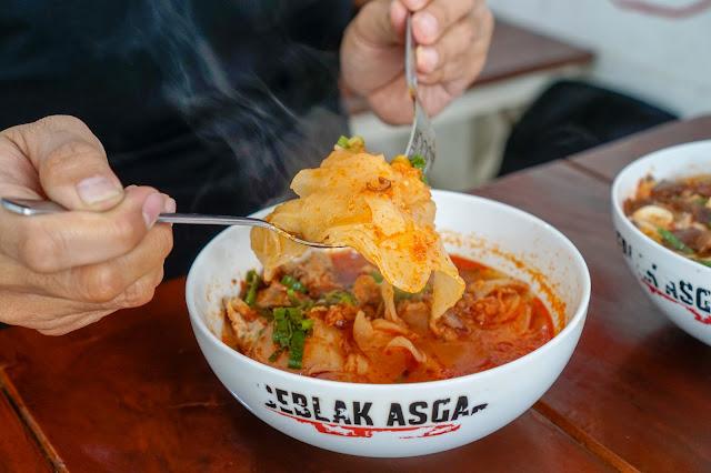 Seblak Asgar: Sensasi Pedas Kuliner Garut di Yogyakarta