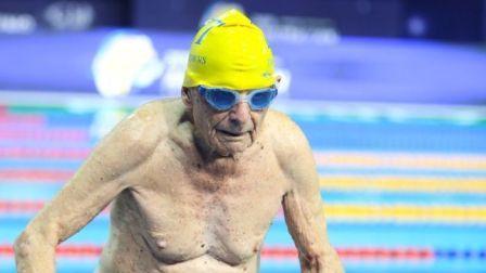 Kakek 99 Tahun di Queensland Pecahkan Rekor Renang Dunia