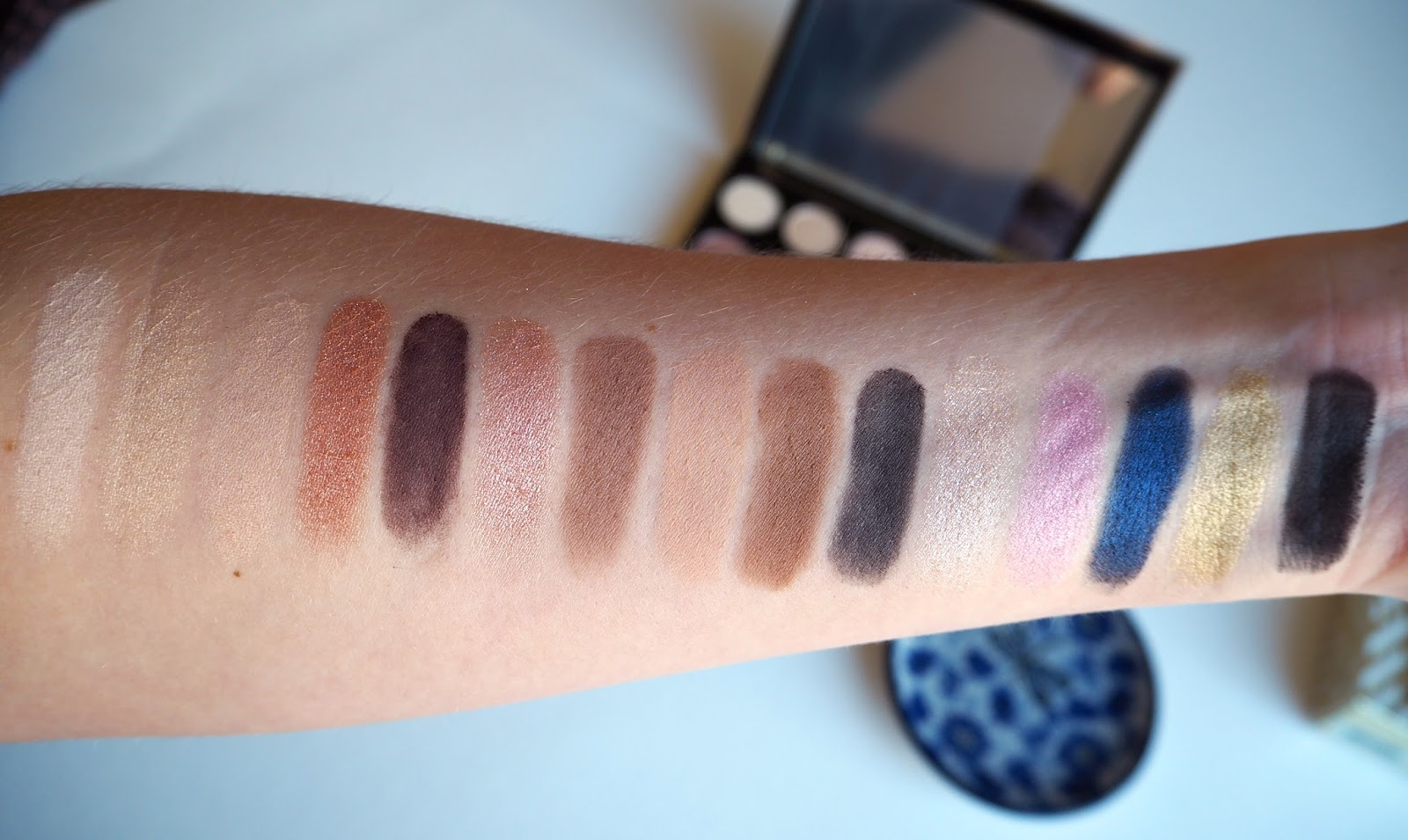Naked Ultimate Basics Eyeshadow Palette by Urban Decay #11