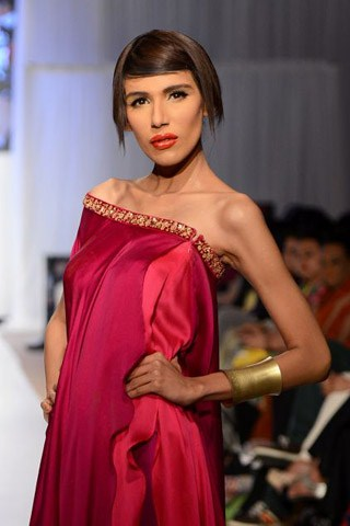 Fayezah Ansari Pakistani model beauty