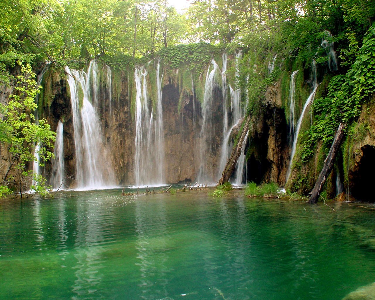 water falls nature waterfalls natural fall spring waterfall background desktop places beauty tropical valley park animated wallpapers pakistan naran kaghan