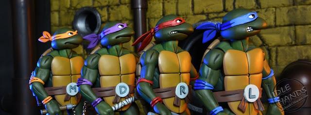 Trend San Diego Comic Con NECA Exclusive Teenage Mutant Ninja Turtles th Anniversary Cartoon Action