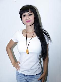 Foto dan Biodata Julia Perez