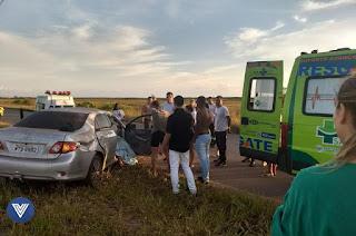 http://vnoticia.com.br/noticia/2366-carro-capota-e-mata-motorista-na-rj-196-proximo-de-gargau-em-sao-francisco-de-itabapoana