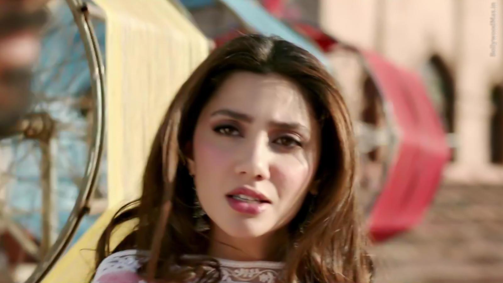 Mahira Khan - Raees - Hot Pakistani Actress Picture And Images-4689