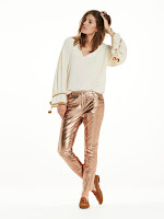 https://www.scotch-soda.com/be/nl/sale/dames/broeken/broek-van-metallic-leer/138845.html?cgid=sale-1040&start=29&dwvar_138845_color=Copper