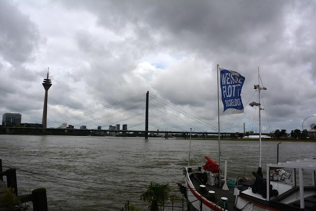 Rhein Promenade Dusseldorf clouds
