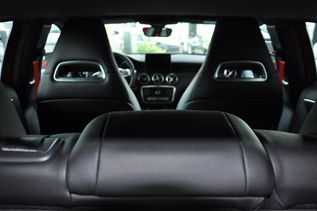 Nội thất Mercedes A250 thiết kế thể thao, kiểu dáng tiện dụng