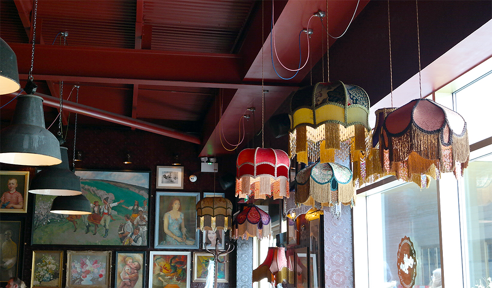 Centro Lounge Loughborough Paintings Lamps