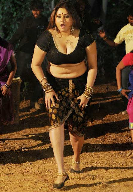 Tamil aunty mulai pundai photos