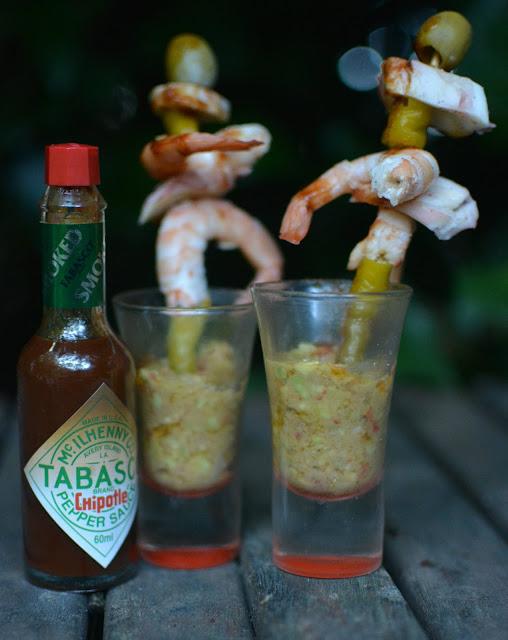 Receta de tapa de langostinos, rejos, guindilla, guacamole y Tabasco Chipotle tererecetas 02