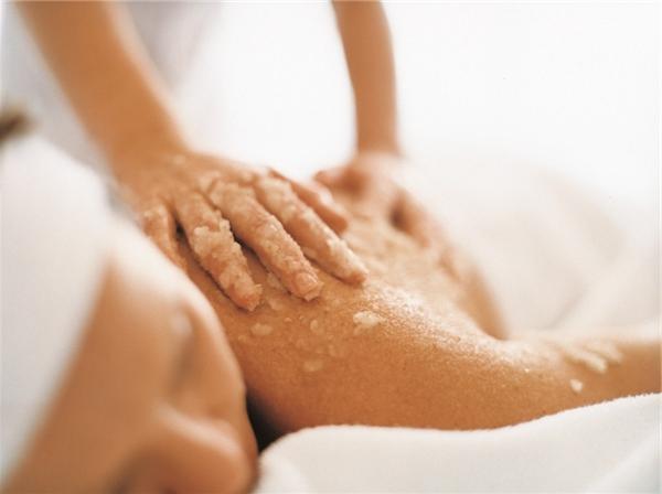 Mẹo dùng muối trị và dưỡng da ở nhà rất đơn giản