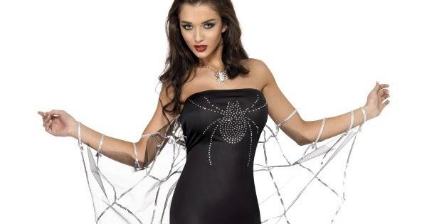 image Chica disfruta de liguero y medias negras