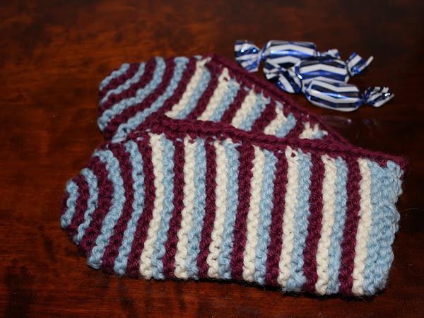 Jämälankatossut/Leftover yarn slippers: Remember + Isoäidinneliötossut/Granny Rose slippers