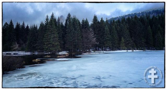 LA BRESSE (88) - Le lac de Lispach gelé et enneigé !